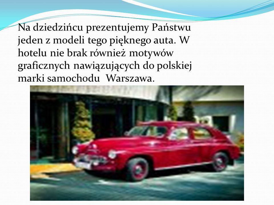 Na dziedzińcu prezentujemy Państwu jeden z modeli tego pięknego auta.