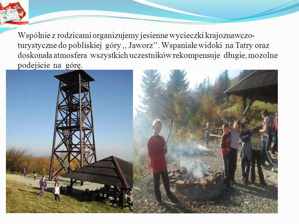 Wspólnie z rodzicami organizujemy jesienne wycieczki krajoznawczo- turystyczne do pobliskiej góry,, Jaworz.
