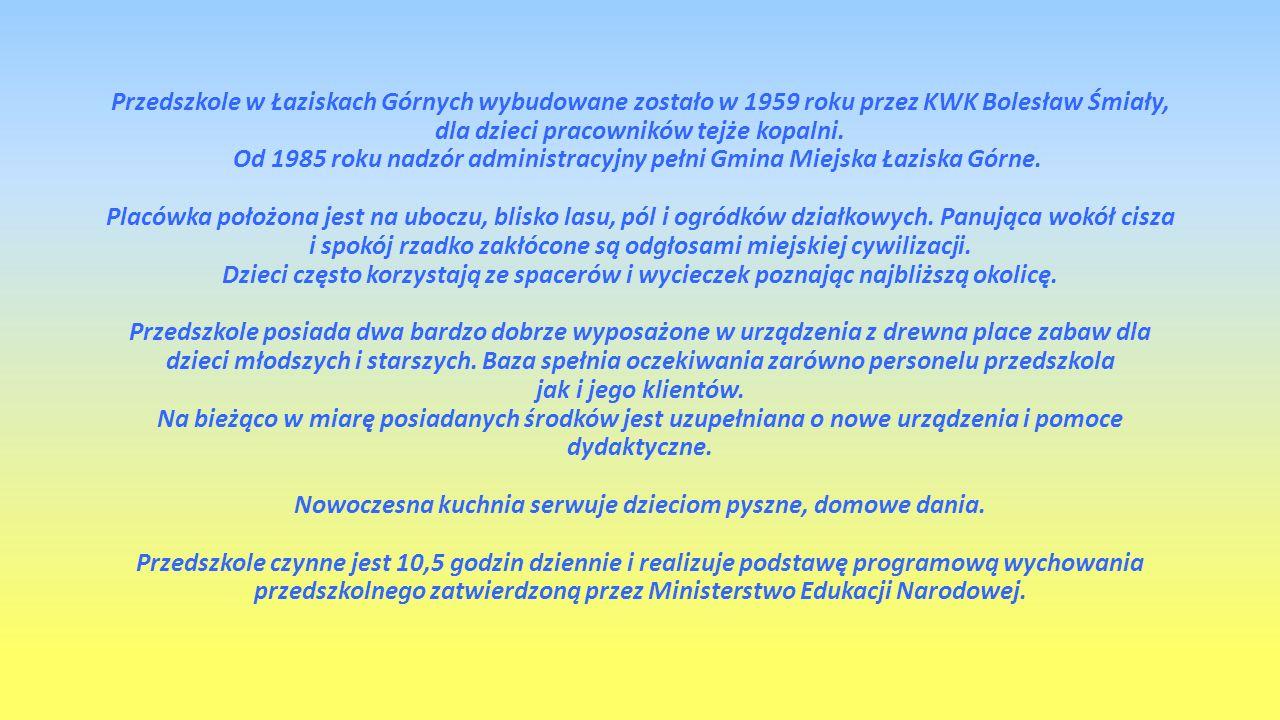 Przedszkole zatrudnia 30 osób: 16 nauczycielek 14 pracowników obsługi Kadra pedagogiczna posiada wysokie kwalifikacje i duże kompetencje – 14 nauczycielek posiada wykształcenie wyższe magisterskie 2 osoba wyższe zawodowe.