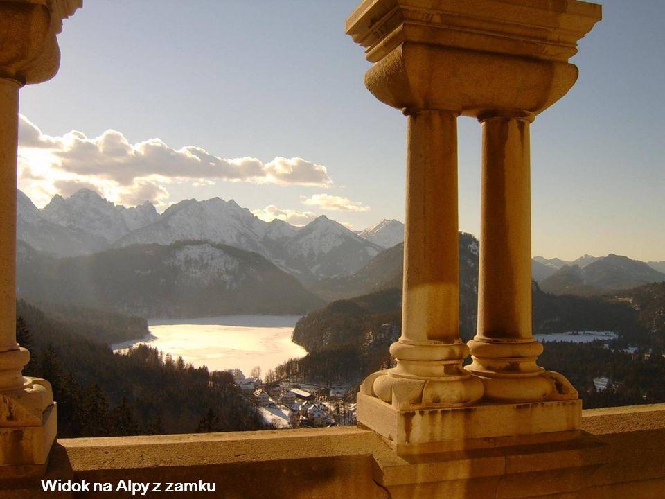 Okno, w którym król mógł zobaczyć Alpy i wodospad
