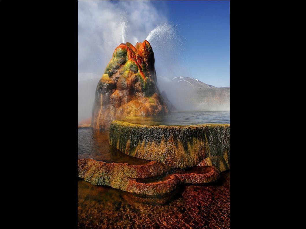 Położony w pobliżu miasta Osoyoos w Kolumbii Brytyjskiej, w Kanadzie Spotted Lake ma bardzo wysokie stężenie minerałów typu siarczan magnezu, wapnia i siarczan sodu oraz wielu innych, a także w małych dawkach pierwiastków takich jak srebro i tytan.