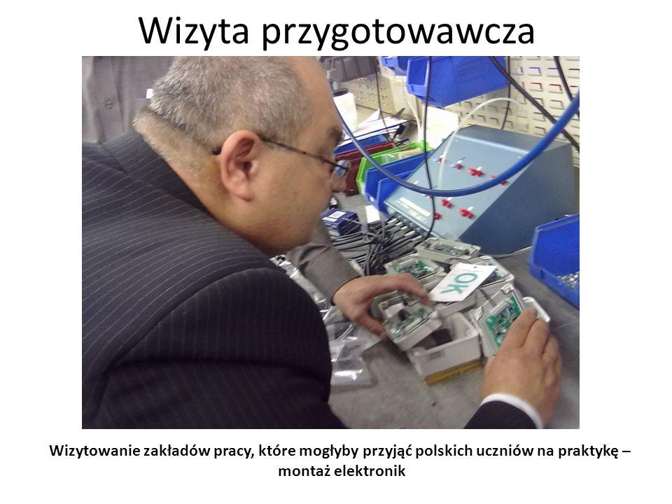 Wizyta przygotowawcza Wizytowanie zakładów pracy, które mogłyby przyjąć polskich uczniów na praktykę – stanowisko do sprawdzania elementów ciśnieniowych