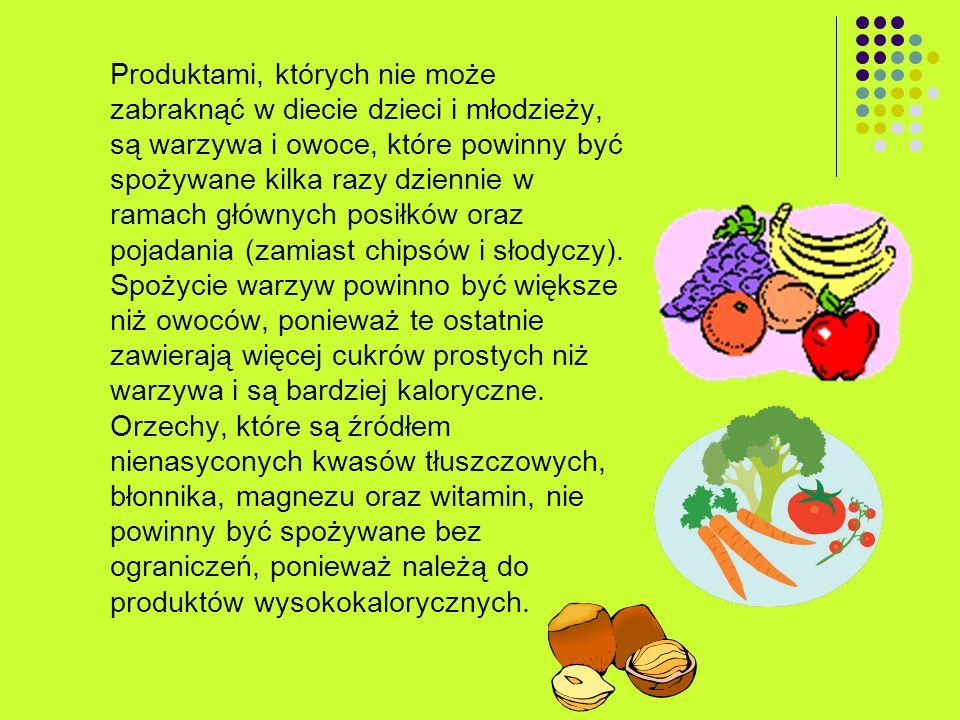 Produktami, których nie może zabraknąć w diecie dzieci i młodzieży, są warzywa i owoce, które powinny być spożywane kilka razy dziennie w ramach główn