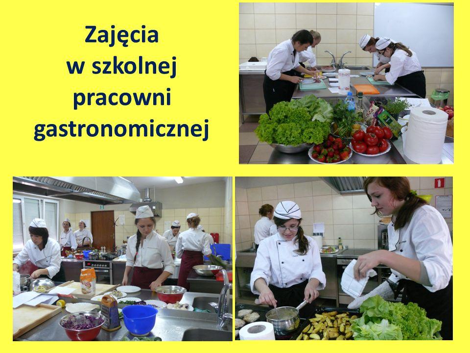 Zajęcia w szkolnej pracowni gastronomicznej