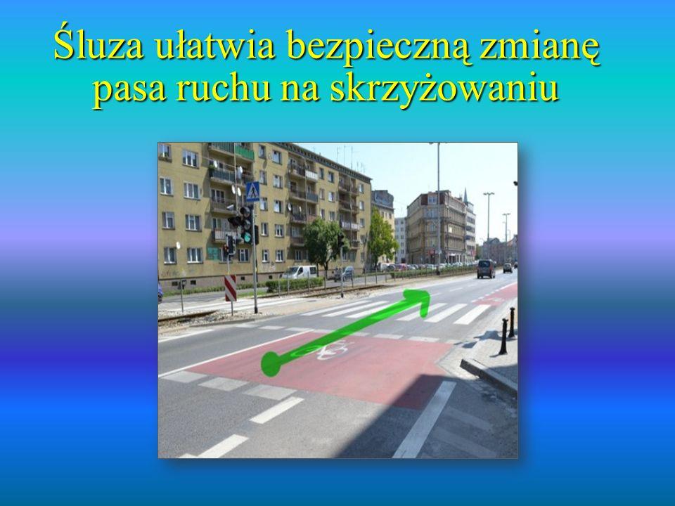 Śluza ułatwia bezpieczną zmianę pasa ruchu na skrzyżowaniu