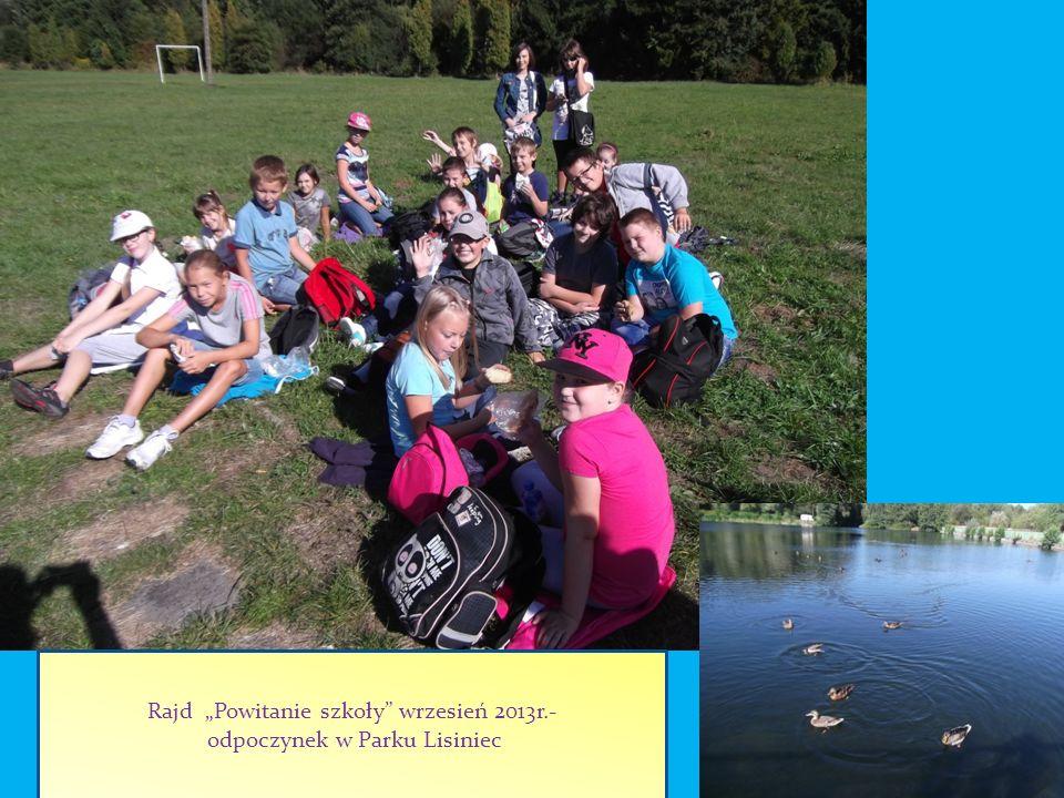 Rajd Powitanie szkoły wrzesień 2013r.- odpoczynek w Parku Lisiniec