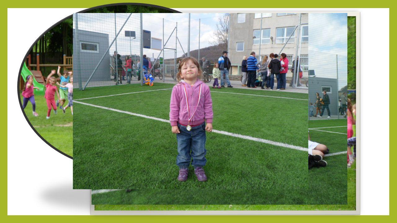 MALI WZROSTEM WIELCY DUCHEM Niedawno treningi zaczęły również nasze dzielne maluchy. Z wielkim zaangażowaniem i chęciami poznają tajniki footballu. Pi