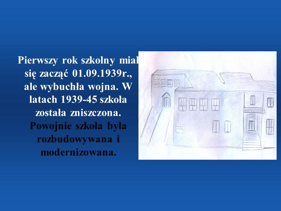 Pierwszy rok szkolny miał się zacząć 01.09.1939r., ale wybuchła wojna. W latach 1939-45 szkoła została zniszczona. Powojnie szkoła była rozbudowywana