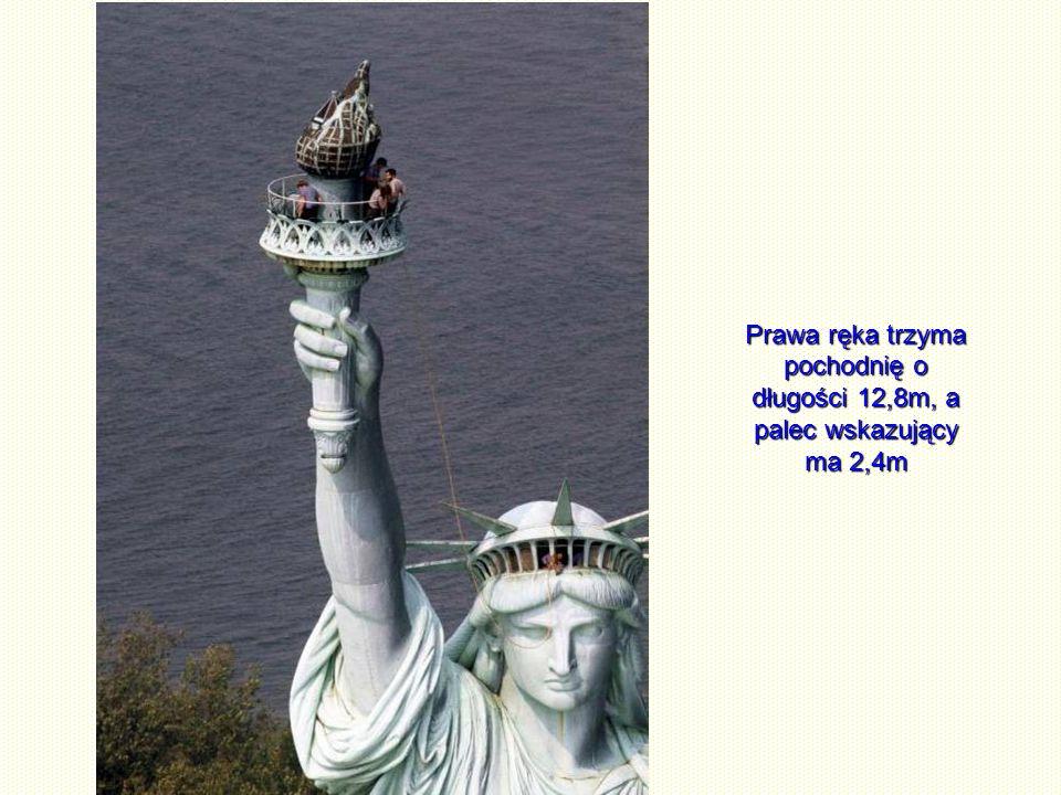 Posąg służy również do celów widokowych.