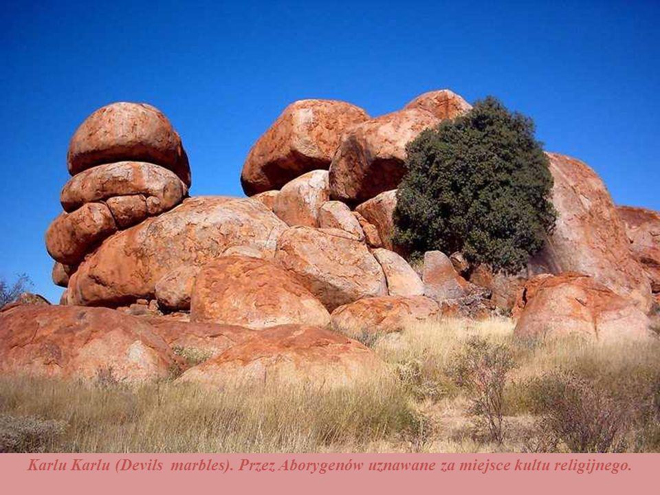 Karlu Karlu (Devils marbles). Przez Aborygenów uznawane za miejsce kultu religijnego.