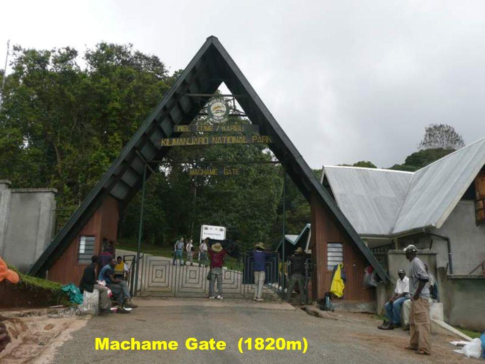 Machame Gate (1820m)