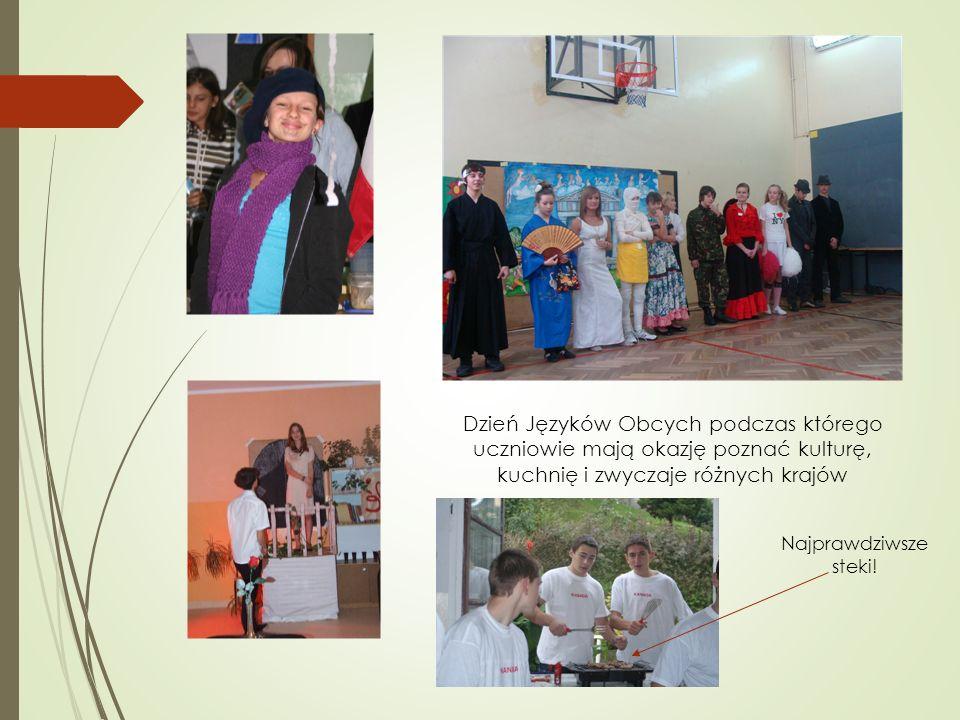 Dzień Języków Obcych podczas którego uczniowie mają okazję poznać kulturę, kuchnię i zwyczaje różnych krajów Najprawdziwsze steki!