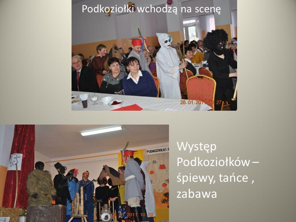 Podkoziołki wchodzą na scenę Występ Podkoziołków – śpiewy, tańce, zabawa