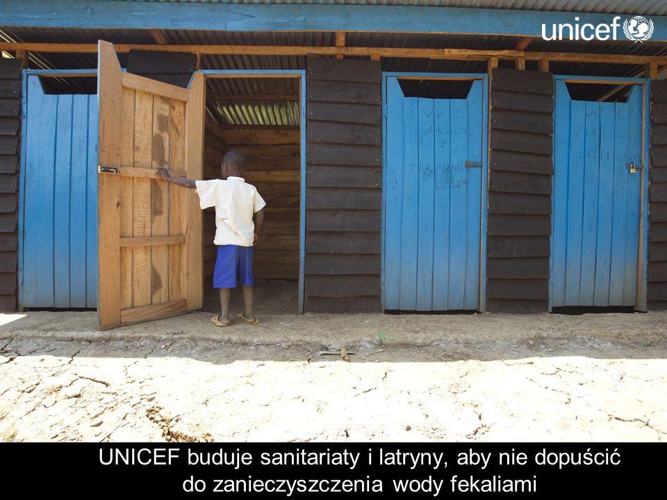UNICEF buduje sanitariaty i latryny, aby nie dopuścić do zanieczyszczenia wody fekaliami
