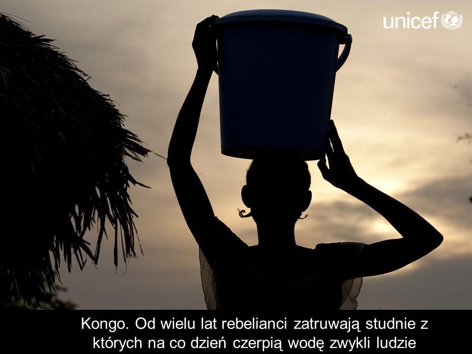 Kongo. Od wielu lat rebelianci zatruwają studnie z których na co dzień czerpią wodę zwykli ludzie