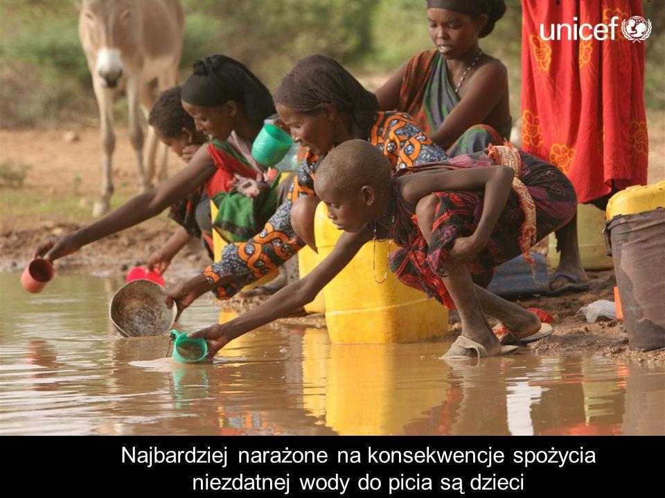 Najbardziej narażone na konsekwencje spożycia niezdatnej wody do picia są dzieci