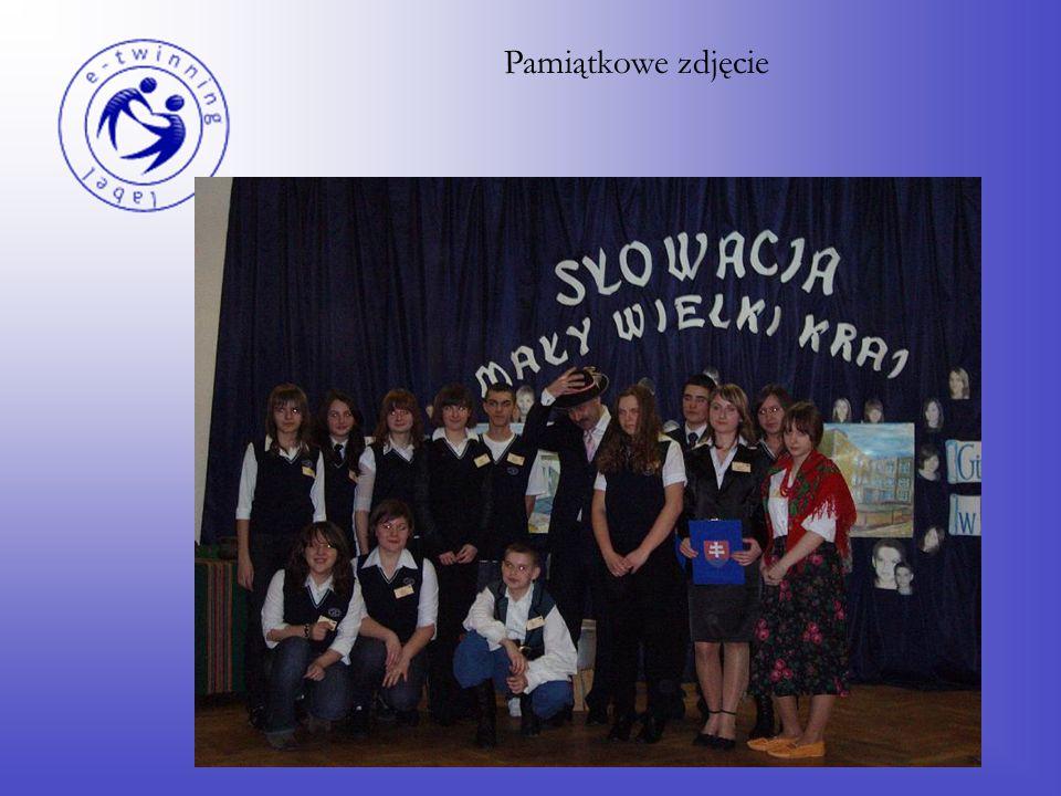 Po części artystycznej konferansjerzy sprawdzili wiedzę nabytą przez uczniów podczas imprezy, przeprowadzając krótki quiz o Słowacji.
