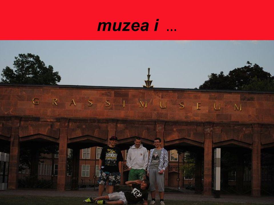 muzea i …