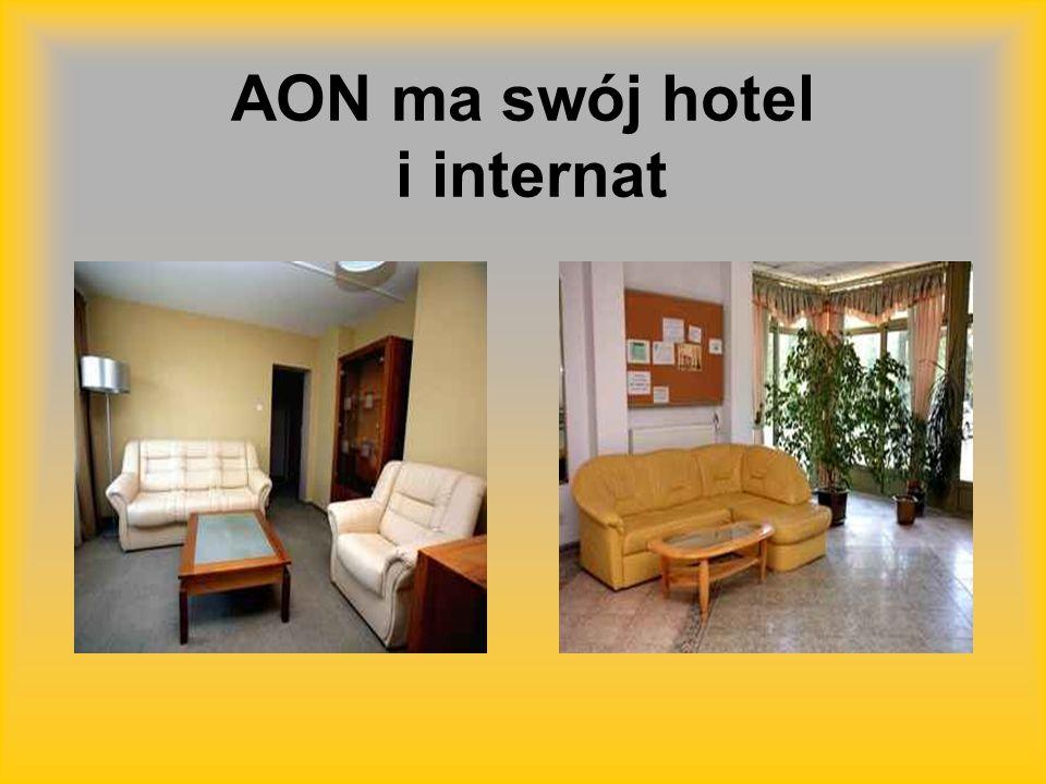 AON ma swój hotel i internat
