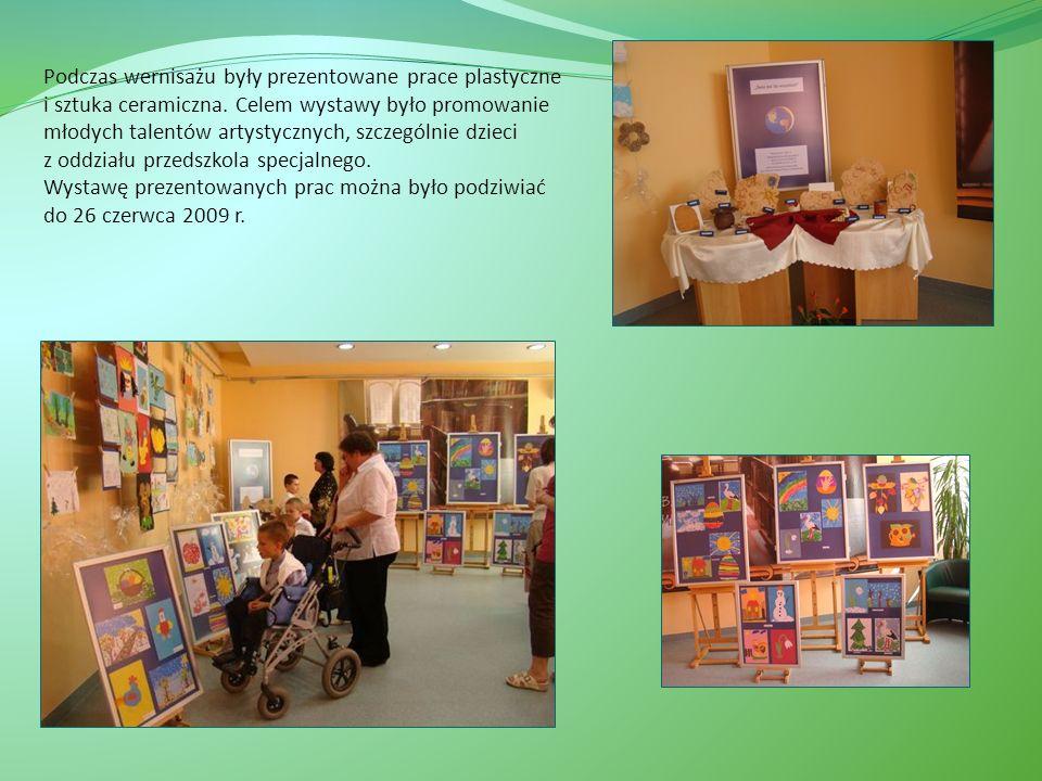 Podczas wernisażu były prezentowane prace plastyczne i sztuka ceramiczna.