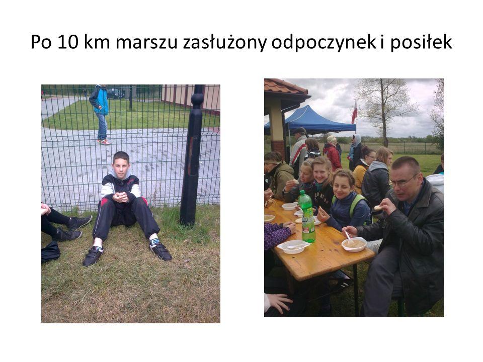 Po 10 km marszu zasłużony odpoczynek i posiłek