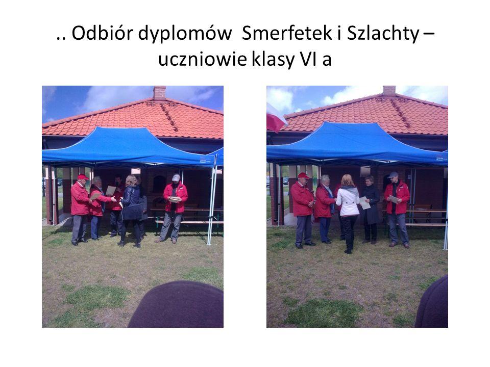.. Odbiór dyplomów Smerfetek i Szlachty – uczniowie klasy VI a