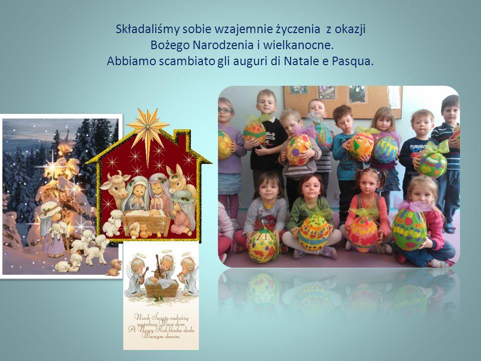 Składaliśmy sobie wzajemnie życzenia z okazji Bożego Narodzenia i wielkanocne. Abbiamo scambiato gli auguri di Natale e Pasqua.