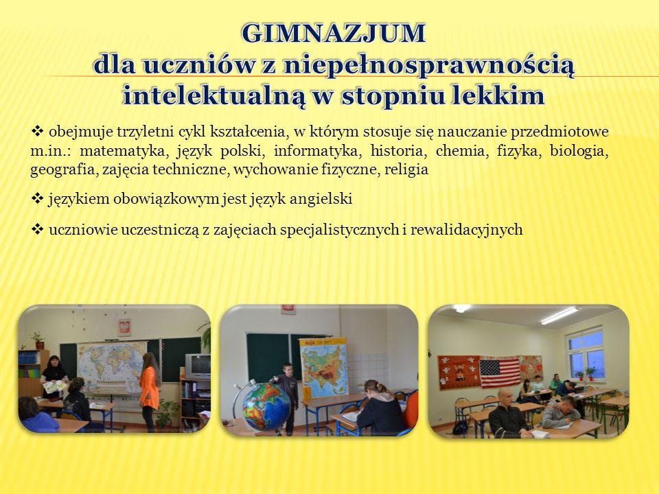  obejmuje trzyletni cykl kształcenia, w którym stosuje się nauczanie przedmiotowe m.in.: matematyka, język polski, informatyka, historia, chemia, fiz