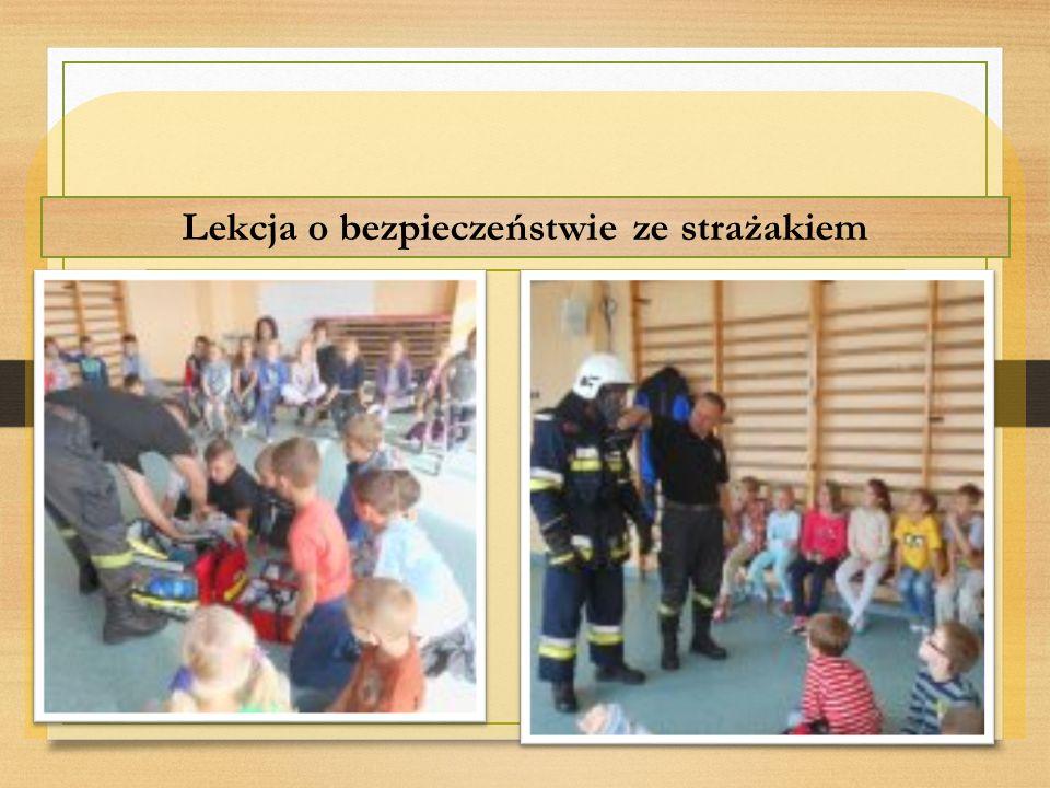 Lekcja o bezpieczeństwie ze strażakiem