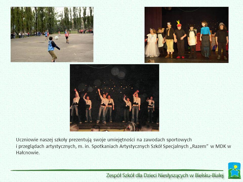 Uczniowie naszej szkoły prezentują swoje umiejętności na zawodach sportowych i przeglądach artystycznych, m. in. Spotkaniach Artystycznych Szkół Specj