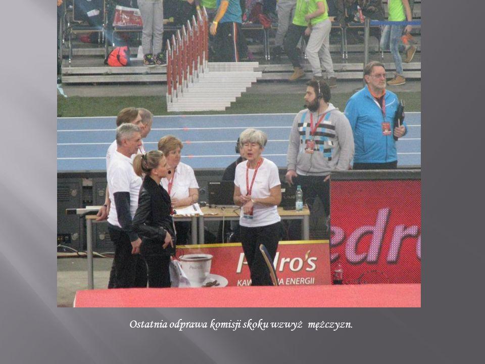 Ewa Gołębowska (AS) na swoim miejscu z jedną butelką wody.