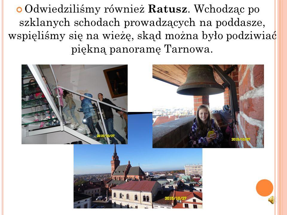 Po wizycie w muzeum odwiedziliśmy Café Tarnów. Na krótką chwilę usiedliśmy na Ławeczce Poetów.