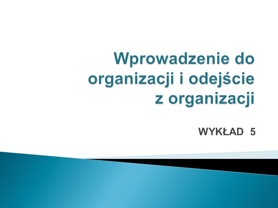 Element outplacementu w społeczeństwach wiedzy w Polsce CelZapewnienie pracownikowi możliwości kontynuowania kariery Rozwiązanie konkretnego problemu danego przedsiębiorstwa WymiarIndywidualny, związany z zatrudnieniem konkretnych osób Grupowy KwalifikacjeWysokie, wysoki stopień kwalifikacji specjalizacji Niskie i średnie, niski poziom specjalizacji PostawyPodmiot starający się wywierać maksymalny wpływ na swoje dalsze losy zawodowe Przeważają bierne i roszczeniowe Orientacja natzw.