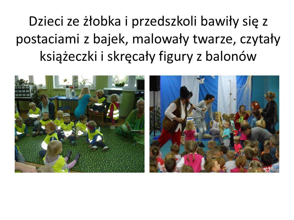Dzieci ze żłobka i przedszkoli bawiły się z postaciami z bajek, malowały twarze, czytały książeczki i skręcały figury z balonów