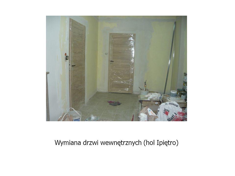 Wymiana drzwi wewnętrznych (hol Ipiętro)
