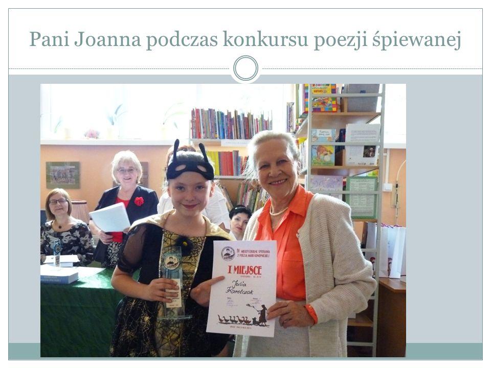 Pani Joanna podczas konkursu poezji śpiewanej