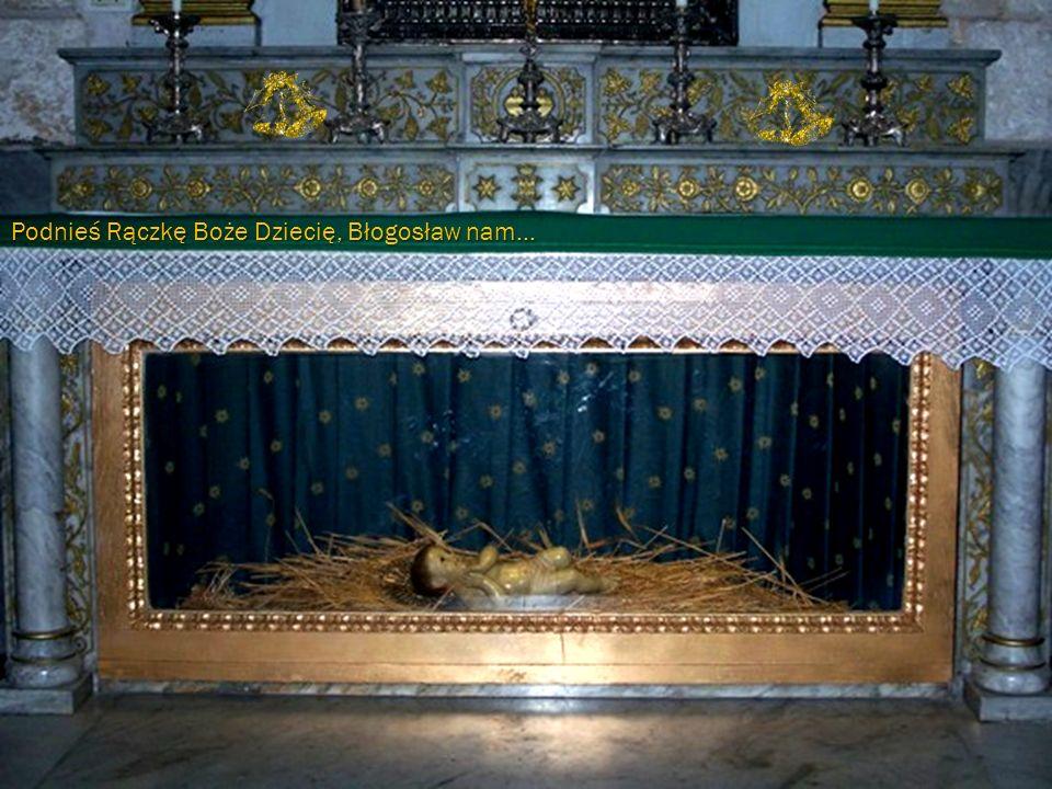 Dzieląc się Opłatkiem, proszę Pana, aby umocnił naszą nadzieję, zaufanie oraz dobroć, byśmy się stali godnymi Daru Nocy Betlejemskiej.