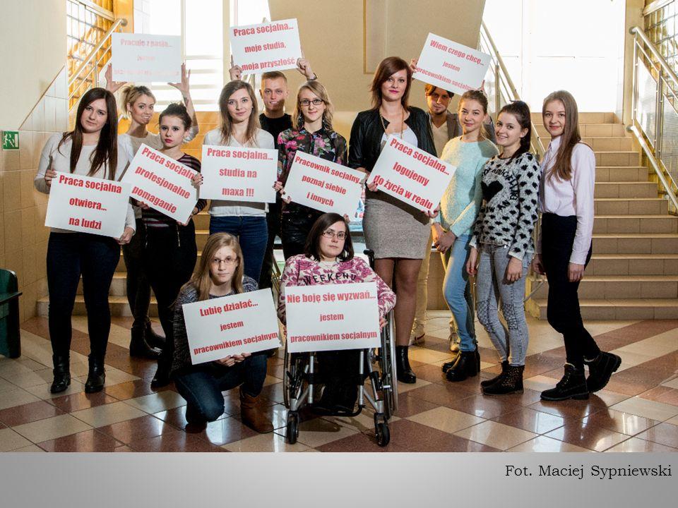 Kilka koleżanek studiuje w ramach programu ERASMUS za granicą (Niemcy)