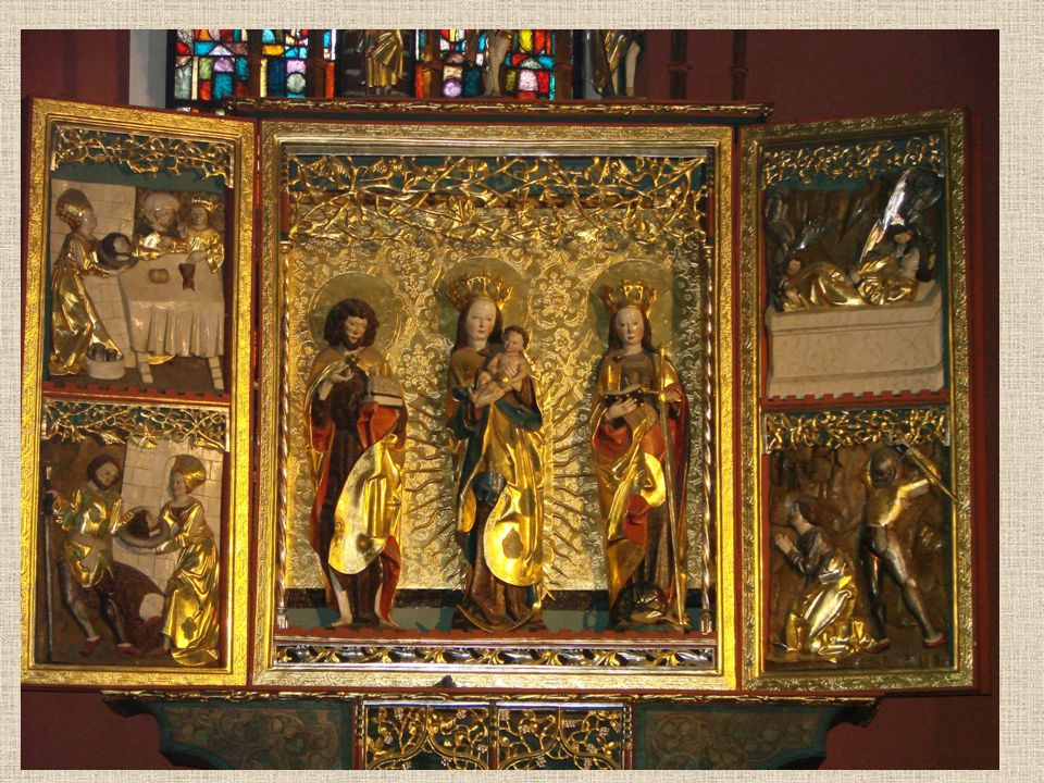 Tryptyk Tryptyk to średniowieczny obraz składający się z trzech części - centralnej nieruchomej oraz dwóch bocznych zwykle ruchomych. Widzimy w nim ks