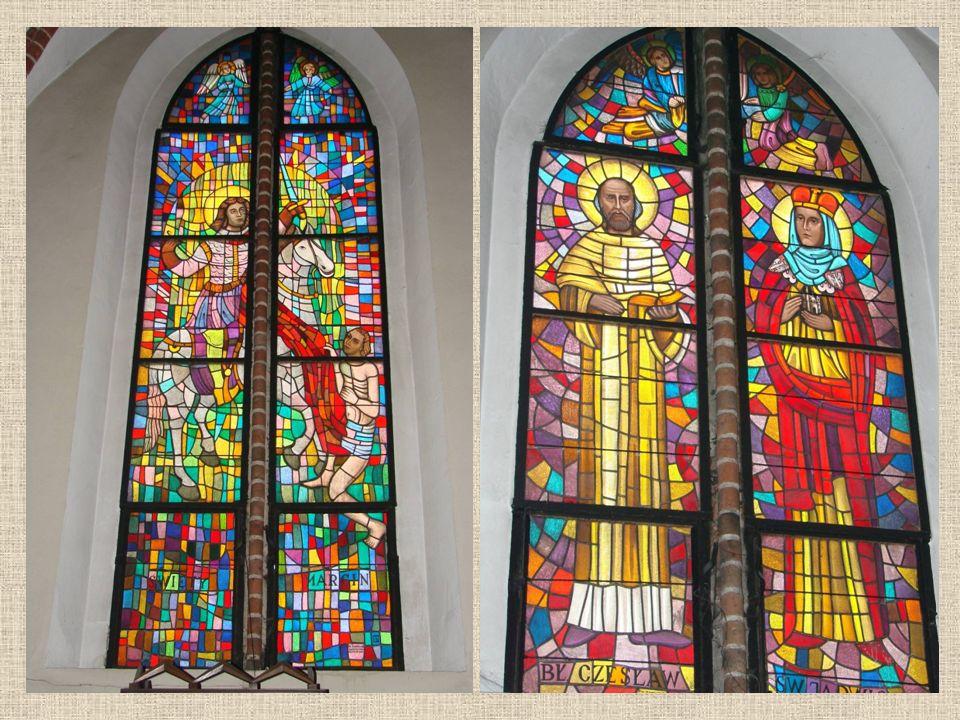 Witraże Witraże to różnobarwne szkła ułożone w kompozycje. Służą one do ozdobienia okien w kościołach i kaplicach. Znajdujemy w nich różne kształty ge