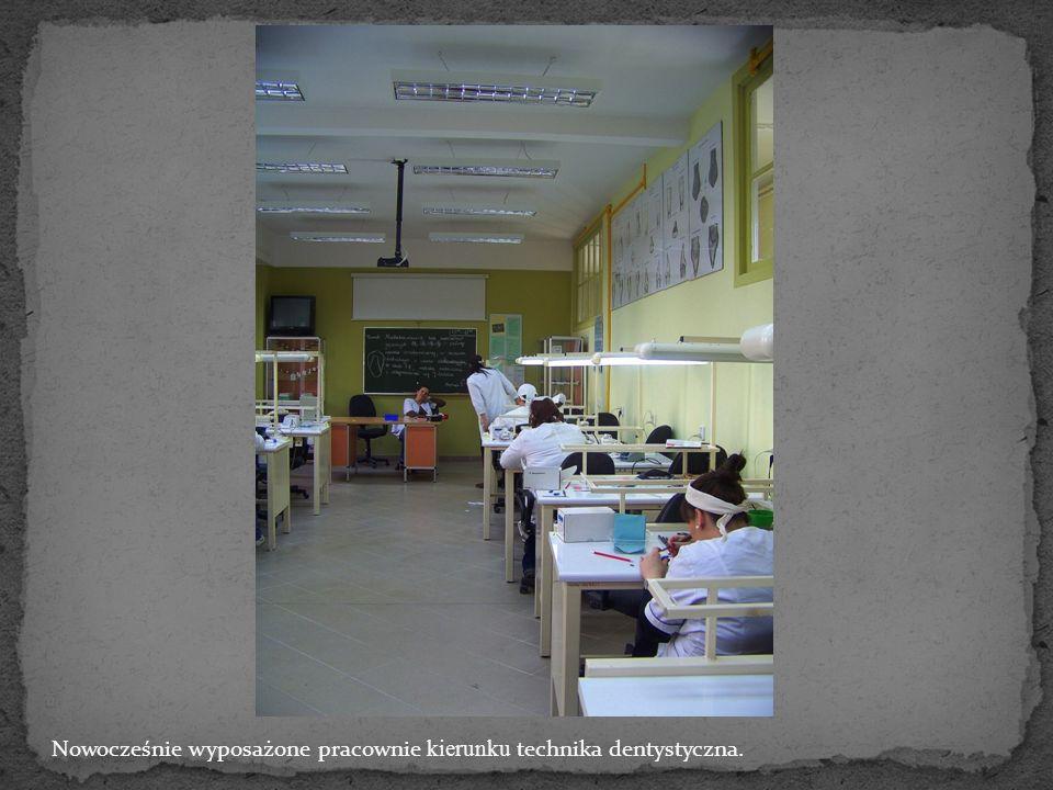 Pracownia analizy leków kierunku technik farmaceutyczny