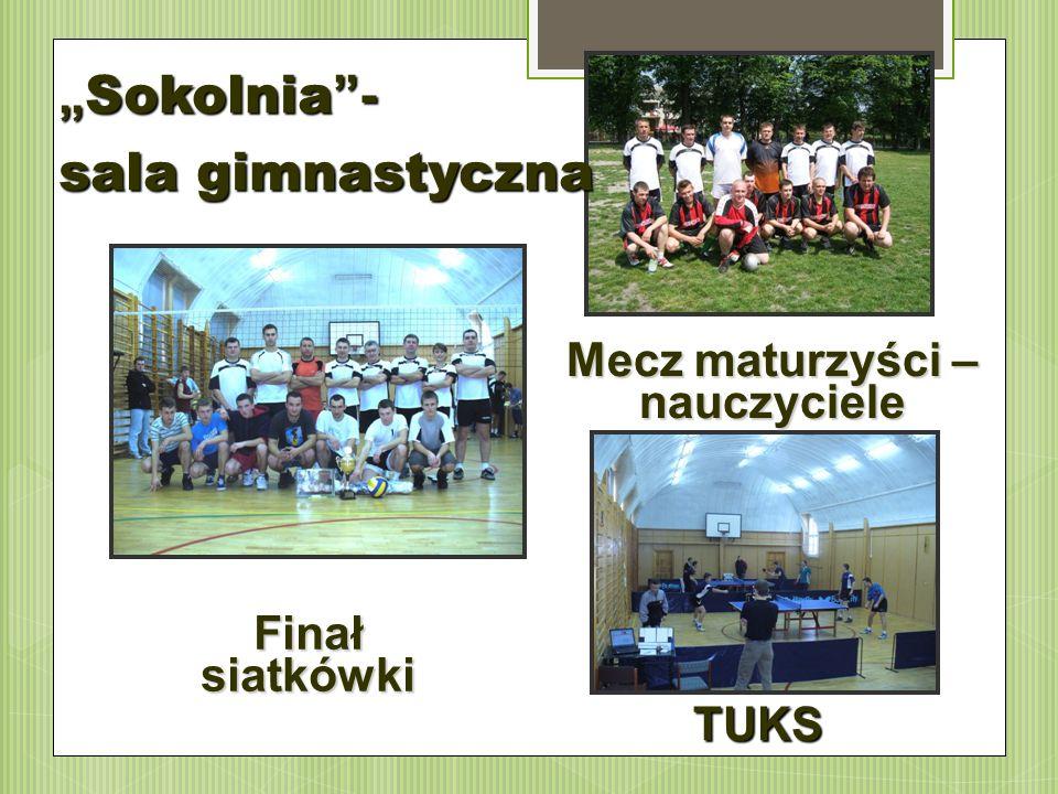 """Finał siatkówki """" Sokolnia """"- sala gimnastyczna Mecz maturzyści – nauczyciele TUKS"""