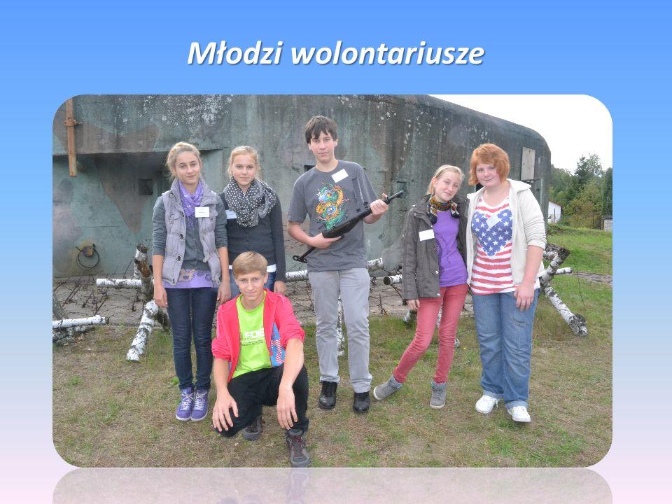 Młodzi wolontariusze