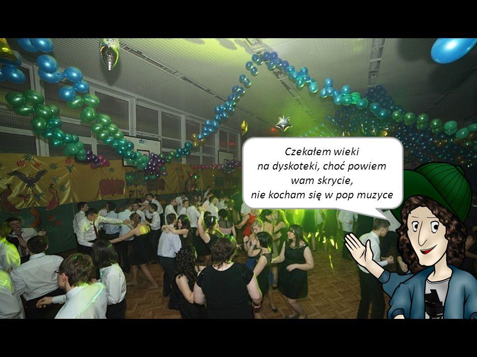 Polonez, polonez, polonez… Muzyka uwrażliwia, a tradycja tańczenia poloneza w tej szkole jeszcze żywa… Przynajmniej na balu gimnazjalnym.