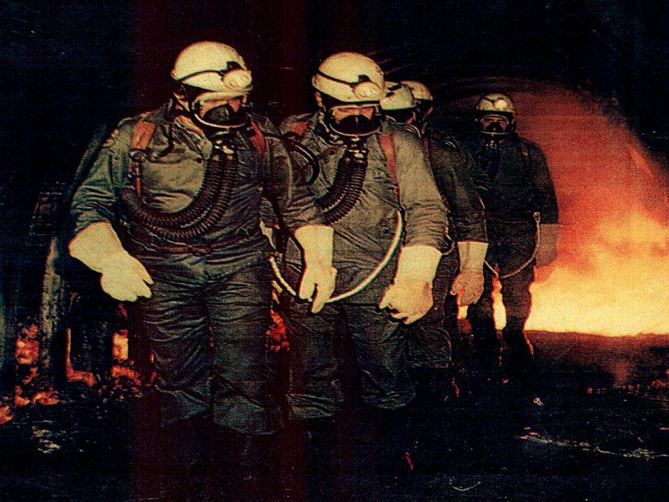 Nazwa gazuWzór chemiczny Granice wybuchowości % dolnagórna Metan Tlenek węgla Wodór Węglowodory CH 4 CO H 2 C x H y 5 12,5 4 4,3 15 74 15 Gazy pożarowe – granice wybuchowości