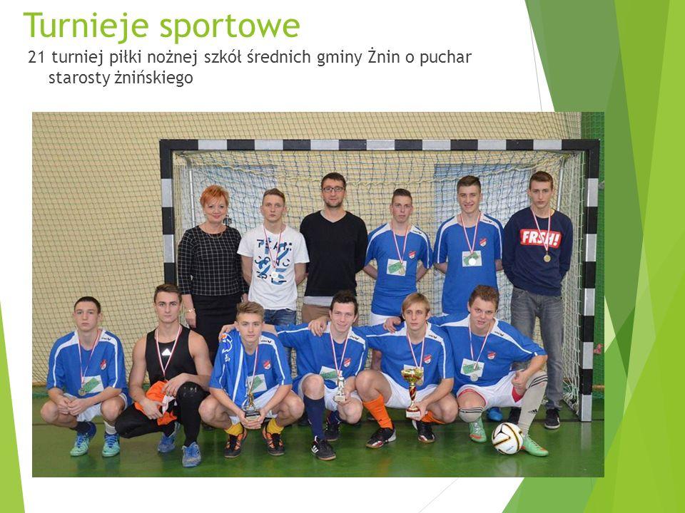 Turnieje sportowe 21 turniej piłki nożnej szkół średnich gminy Żnin o puchar starosty żnińskiego