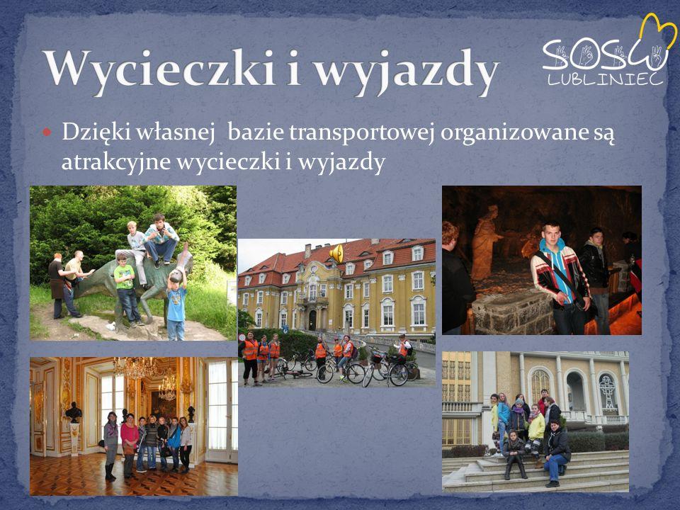 Dzięki własnej bazie transportowej organizowane są atrakcyjne wycieczki i wyjazdy