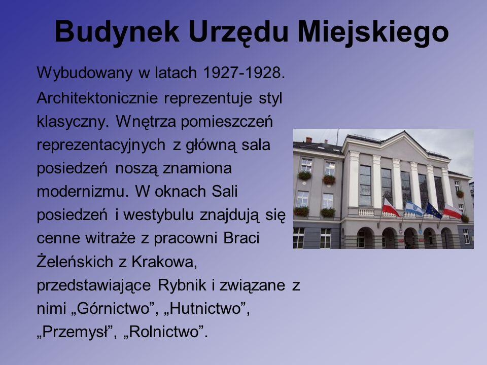 Budynek Urzędu Miejskiego Wybudowany w latach 1927-1928.