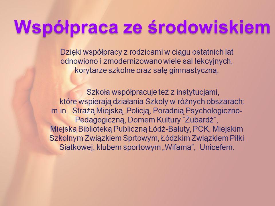 """Jesteśmy… """"Szkołą przyjazną uczniowi z dysleksją Szkołą z """"Zielonym Certyfikatem """"Szkołą z Klasą - certyfikat prezydenta Rzeczpospolitej Polskiej """"Szkołą bez przemocy Szkołą z certyfikatem """"Klubu Bezpiecznego Puchatka Szkołą z certyfikatem """"Bezpieczna Klasa I"""