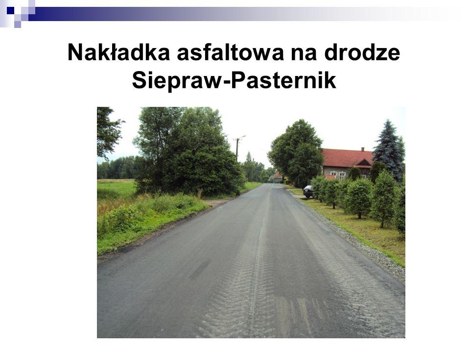Nakładka asfaltowa na drodze Siepraw-Pasternik